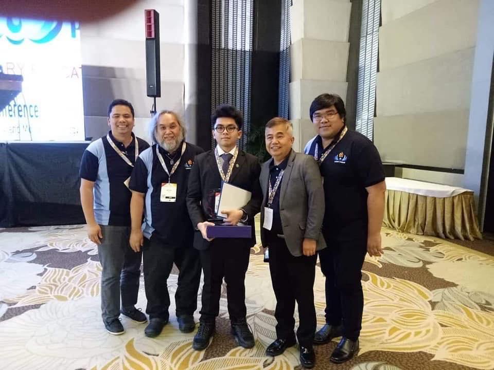Biochem alumnus, faculty win awards in int'l conference